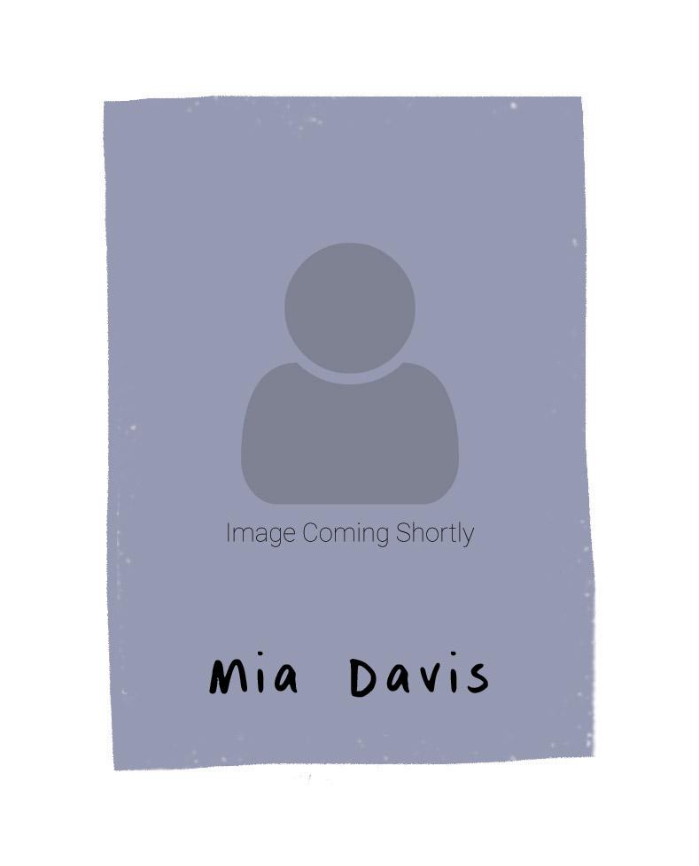 Mia Davis